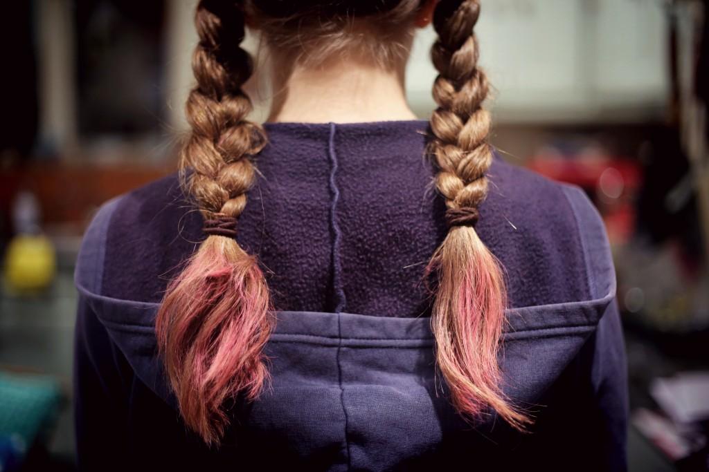 髪の毛 三つ編み